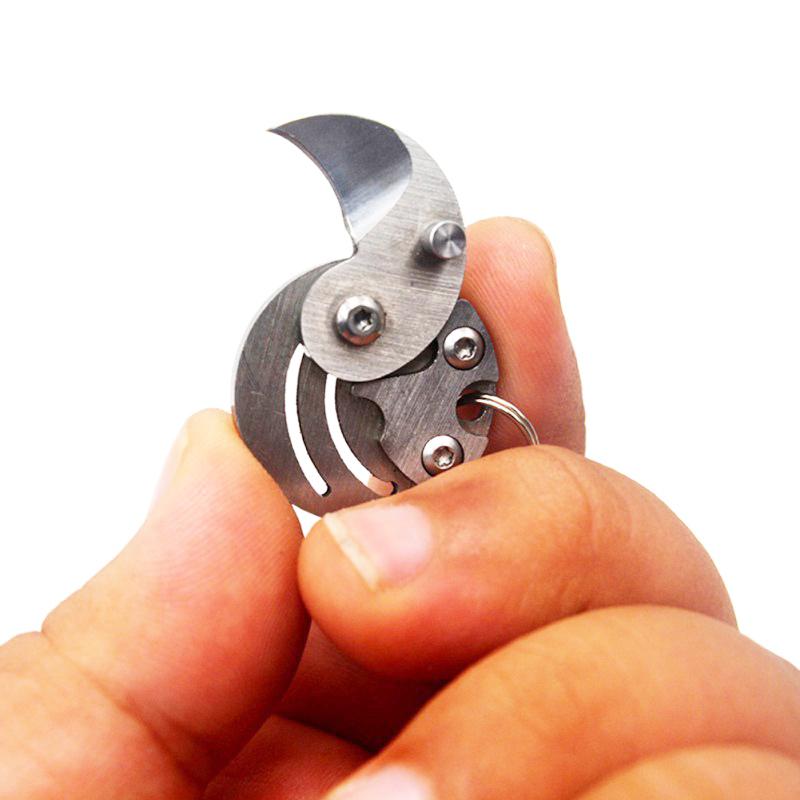Coin-Knife-Keychain-Folding-Pocket-Camping-Hiking-EDC-Blade-Survival-Mini-Tools thumbnail 13